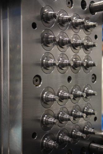 Mécanique de précision, moule multi-empruntes